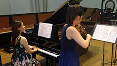 Esther Yoo and Zhang Zuo perform Tchaikovsky