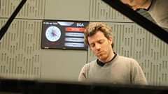 Cédric Pescia plays Couperin's mysterious Les Ombres Errantes live in the studio