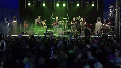 Skerryvore & Sharon Shannon – Happy to be Home