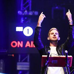 Changing (feat. Ella Eyre) (Radio 1's Big Weekend 2015)