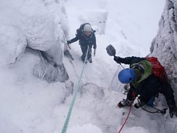 Climbing Hidden Chimney, Coire an t-Sneachda