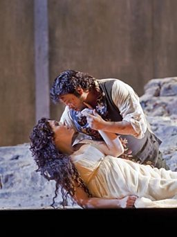 Sondra Radvanovsky as Leonora and Marcelo Alvarez as Manrico