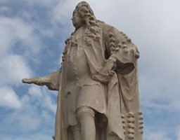 Statue of Sir Hans Sloane