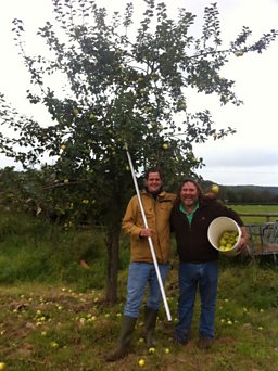 Val Warner & Dennis Gwatkin in the orchard