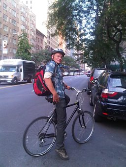 Tom tries out New York's cycle lanes