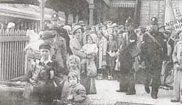 Evacuees arriving at Torquay station in September 1939