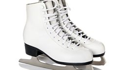Get your skates on! 快点!
