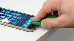 """Smartphone fooled """"黏土指模""""能解锁?"""