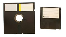 "US nuclear force 'still uses floppy disks' 美国核部队""仍使用软盘"""