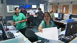Health tourism and wind farms 海外访客使用英国医疗系统需缴费,风力发电厂