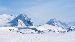 "Hunt for Antarctica's 'missing meteorites' 英国科学家将赴南极寻找""失踪的陨石"""