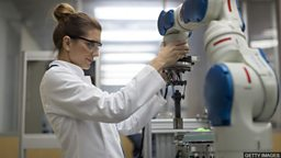 A lack of women in science 科学领域缺少女性工作者