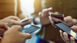 "Social media apps are 'deliberately' addictive to users 社交小程序""故意""让用户上瘾"