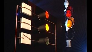 How are switches used in traffic lights?