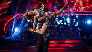 Image for Ian Waite and Darcey Bussell take to the Strictly dancefloor