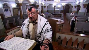 Surviving the Holocaust - Judaism in Lithuania