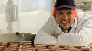 Manufacturing chocolate mini rolls