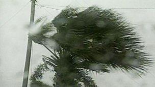 A comparison of the effects of Hurricane Floyd (Florida) and Hurricane Mitch (Honduras)