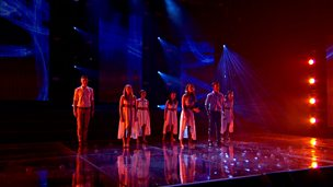 Resonate perform on the semi-final of Comic Relief Does Glee Club