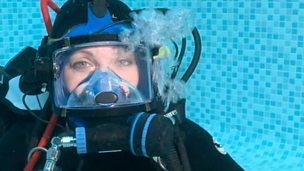 Naomi underwater