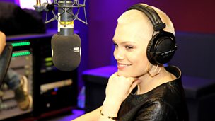 Jessie J plays Distraction