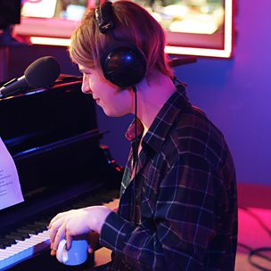 Roar (Radio 1 Live Lounge, 11 Feb 2014)