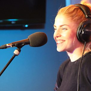 Wrecking Ball (Radio 1 Live Lounge, 12 Dec 2013)