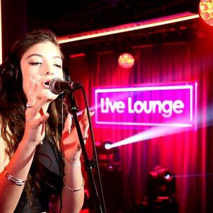 Yellow Flicker Beat (Radio 1 Live Lounge, 13 Nov 2014)