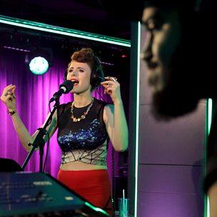 La La La (Radio 1 Live Lounge, 25 Nov 2014)