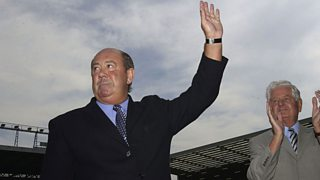 Peter Reid pays tribute to former Everton boss Howard Kendall, who has died aged 69.