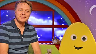 Cbeebies Bedtime Stories - 543. Shaun Dooley - Scruffy Bear And The Lost Ball