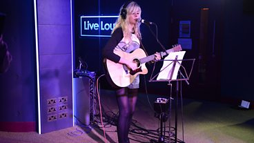 Nina Nesbitt makes her Live Lounge Late debut