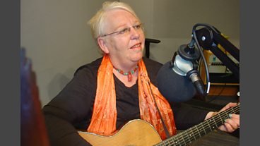 Kath Reade performs live on The Durbervilles Folk & Roots Show