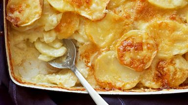 Image for Cook the Perfect...Potato Daupinoise with Hugh Fearnley-Whittingstall