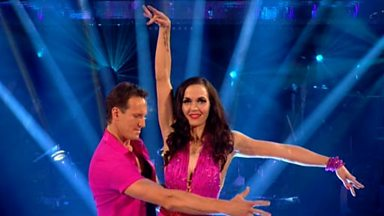 Image for Victoria Pendleton and Brendan Cole dance the Cha Cha to 'Spinning Around'