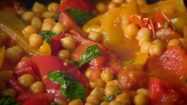 Image for Peppers with chickpeas and harissa