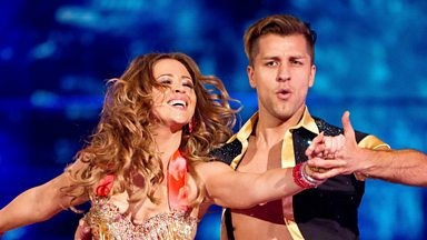 Image for Kimberley and Pasha dance the Samba to 'Livin La Vida Loca'