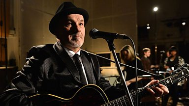 Image for Paul Carrack speaks to Maconie and Mayo