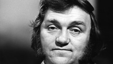 Image for Les Dawson speaks to Dr. Anthony Clare in a 1993 edition of In The Psychiatrist's Chair
