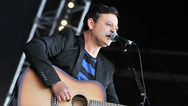 Image for James Dean Bradfield chats to Janice Long