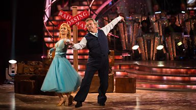 Image for Tony Jacklin and Aliona Vilani dance the Waltz to 'What'll I Do'