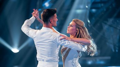 Image for Abbey Clancy and Aljaz Skorjanec Waltz to 'Kissing You'