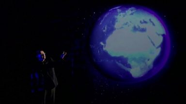 Image for Stats superstar Hans Rosling sizes up the planet and says 'Don't Panic'
