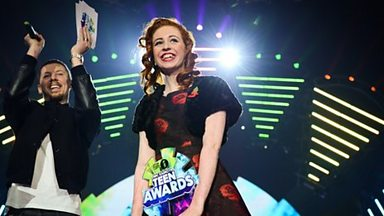 Image for Khloe Woodward wins BBC Radio 1 Teen Award for bravery