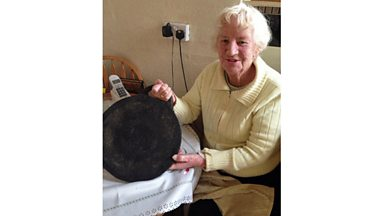 Image for Old gadgets: Olive Dummett's 101-year-old bakestone