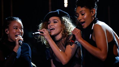 Izzy Bizu is BBC Music Introducing Artist of the Year