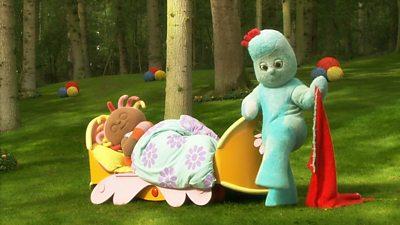 Upsy Daisy's Funny Bed