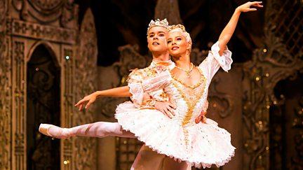 Dancing the Nutcracker - Inside the Royal Ballet