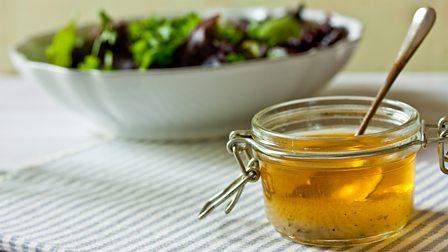How to make salad dressing