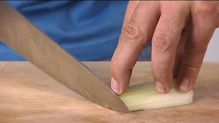 Knife skills: how to finely chop